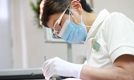 歯周病の予防:歯科衛生士による定期的ケアが大切です。